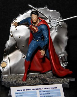 supermanstatue2