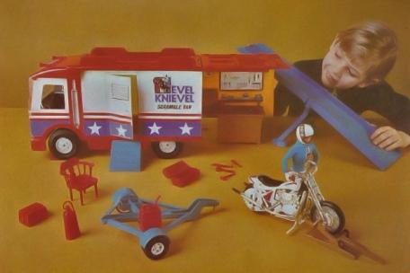Evel-Knievel-Scramble-Van